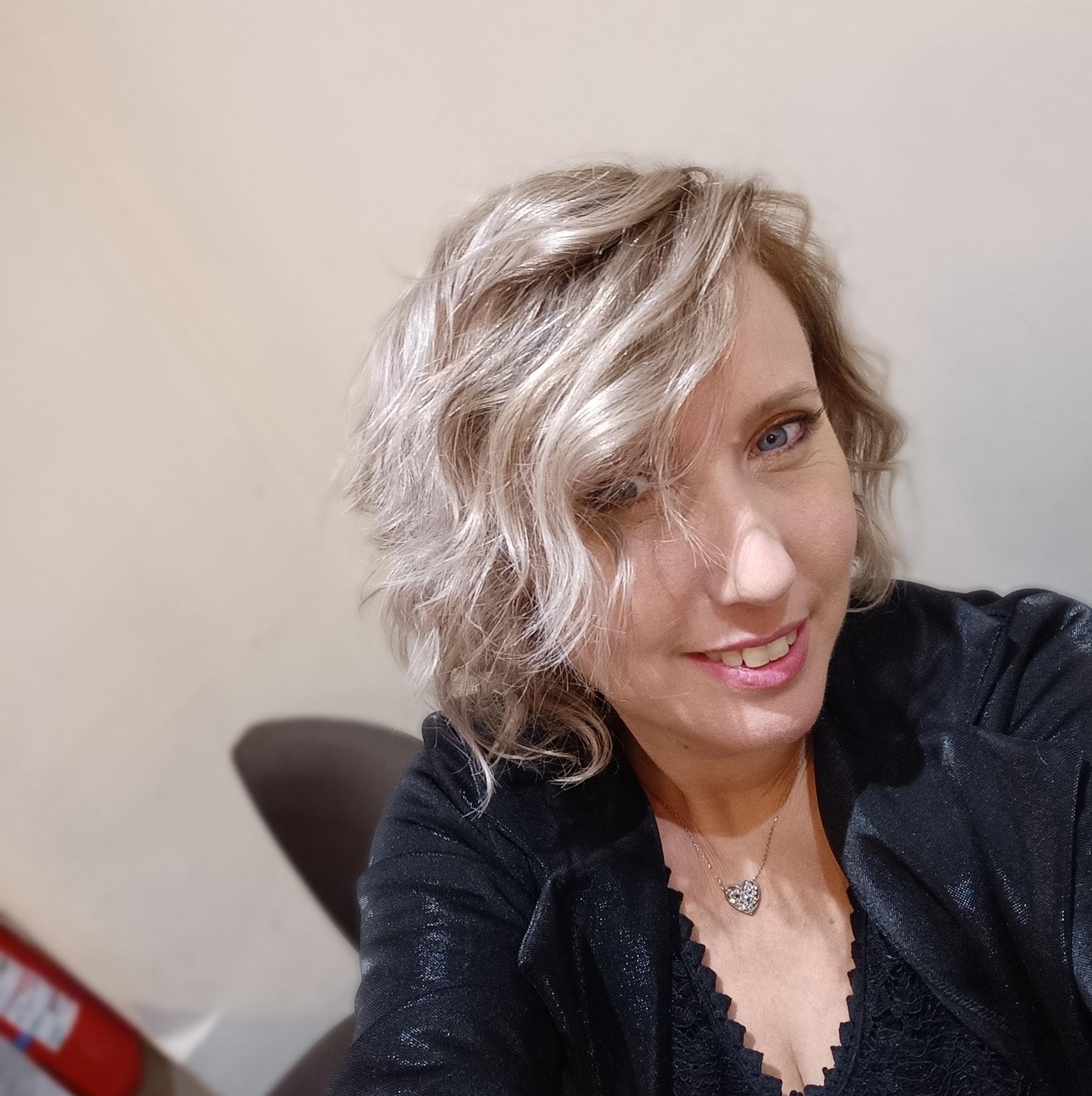 leslie azur hairstylist coiffure